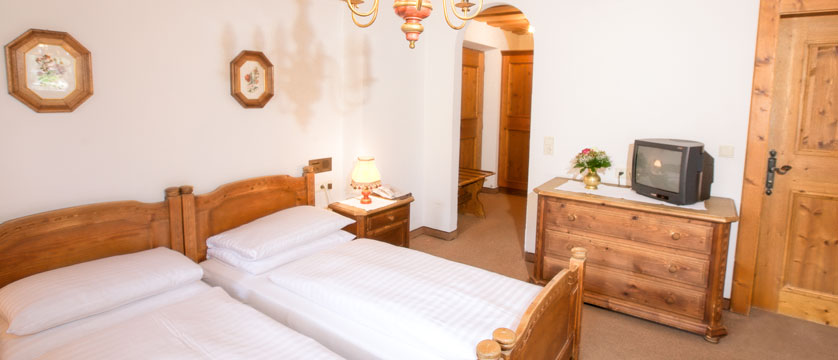 Austria_Soll_Hotel-Postwirt_Bedroom3.jpg